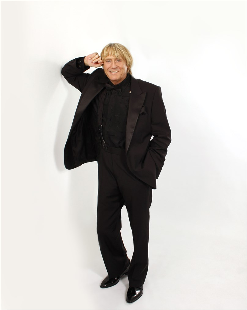 Joe Longthorne presented by Artistes International Management Ltd